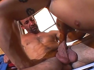 Muscle bound scantling loves dick slamming