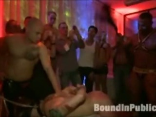 Sponger gets gangfucked in gay nightclub