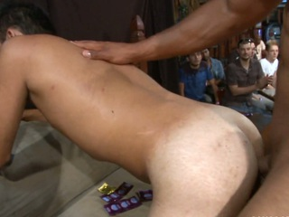 Take a closer materialize at this absolutely insane all white gangbang