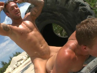 Gaffer gung-ho boyfriends use this giant brutal wheel for their impassioned action.