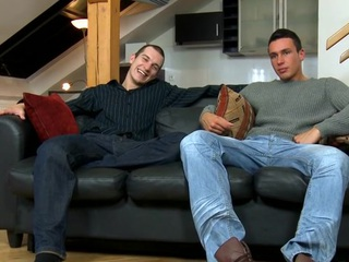 Cute hunk gives stud a plugged up with an increment of wet orall-service