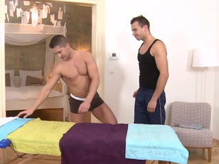 Sexy rub down session be required of enhancing gay stud