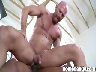 Homodaddy Huge Load of shit In Ass