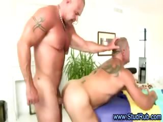 Mature gay masseur assfucks hunky candid dude