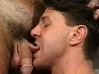 In this hot bear and cub gay sex encounter we essay Brett Williams and...