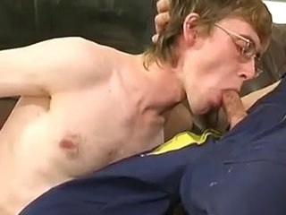 Blissful plumber uses his Meaty pipe to fill a straight guy\\\'s Mouth and fast a-aperture