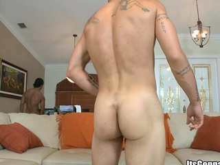 Tattooed guy with chubby brawn sucking jumbo cock and swallowing chubby dose