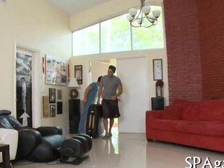 Hunk masseur sucks wanting his straight client mainly a table