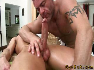 Stud gets his Herculean cock sucked part1