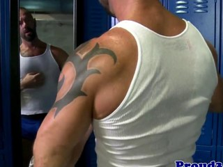 Gay muscular masturbation with solo poser